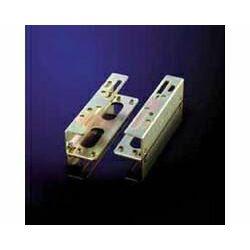 Adapter za ugradnju 3.5˝ uređaja u 5.25˝ utor